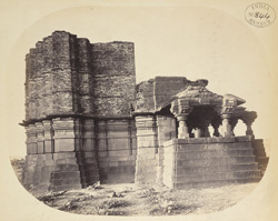 Side view of the smaller temple at Kothali, Buldana District, Berar. [sic. Chintamani temple, Kothali]